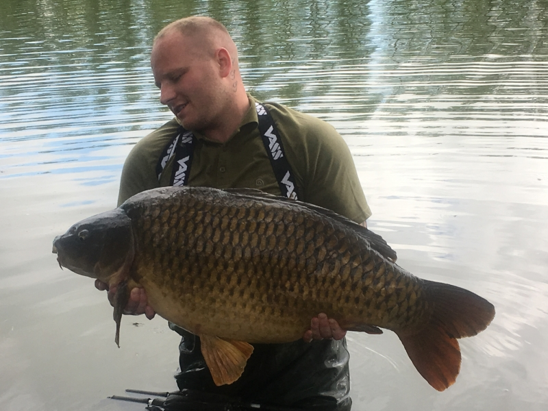 Simon Huttleworth 48lb common